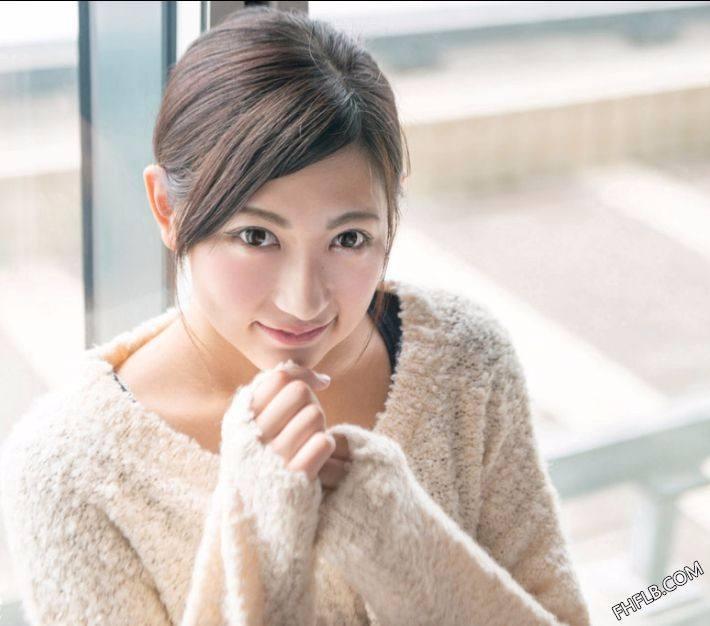 白鸟由奈(白鳥ゆな,Yuna Shiratori)个人资料写真作品大全